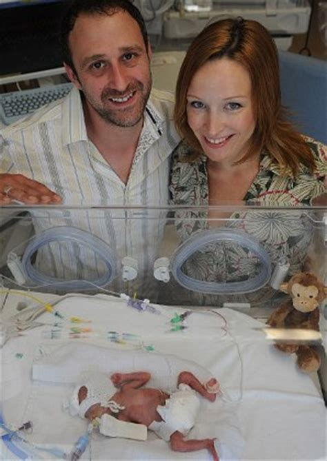 Baby Survives Delivery At 23 Weeks - Newborn Baby Zone